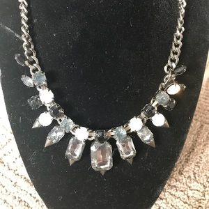 Jewelry - Statement necklace spiked edge w faux gemstones